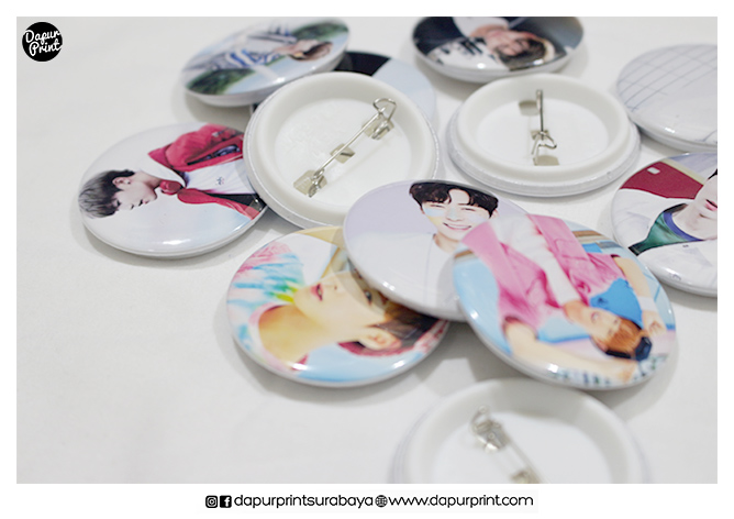 Cetak Pin Button K-Pop
